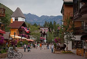 Spelling-Challenged Anti-Islam Activists Protest Vail (Colorado)