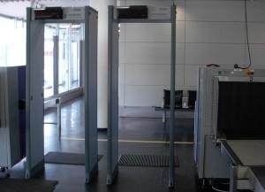 UN Envoys Go Through Metal Detectors Into Session To Condemn Israel For Metal Detectors